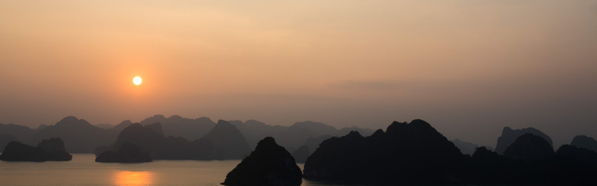 halong-les-pieds-dans-le-vide (2)