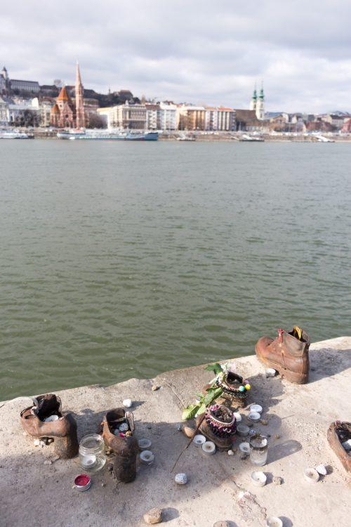 memorial-chaussures-budapest-les-pieds-dans-le-vide