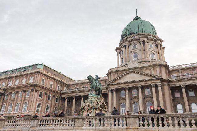 palais-royal-budapest-les-pieds-dans-le-vide (2)